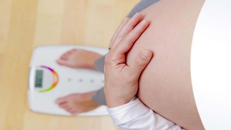 تاثیر افزایش وزن بر بارداری | متخصص زنان اصفهان